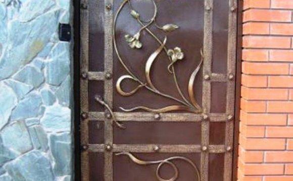 Кованые двери для частных